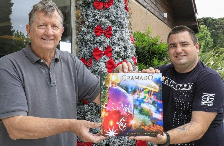 Lançado o livro dos 35 anos do Natal Luz de Gramado