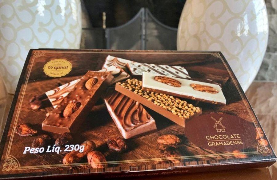 Chocolate Gramadense faz doação ao Gabinete do Prefeito