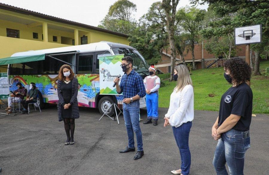 Projeto Aquarela é lançado nas escolas de Gramado e Trupe de Natal é atração